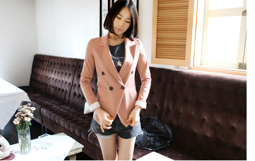 pink 外套.png