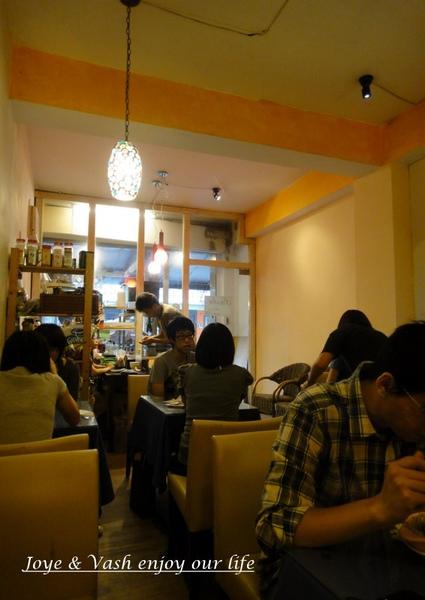 20101024 東海 - 義麵屋12.jpg