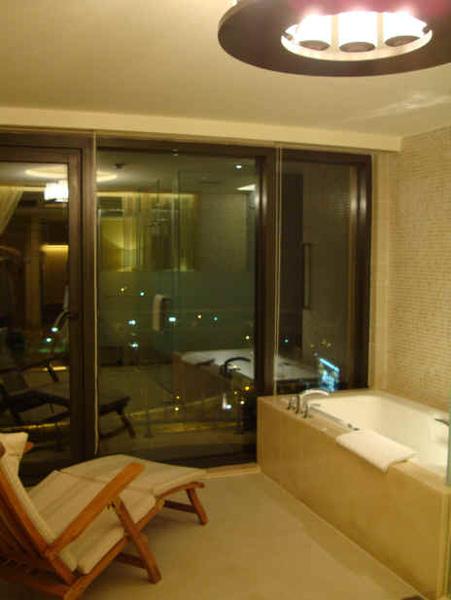 浴室-夜.jpg