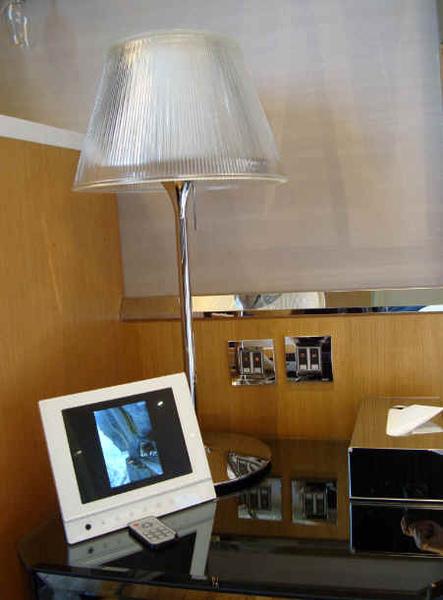 數位相框及面紙盒.jpg