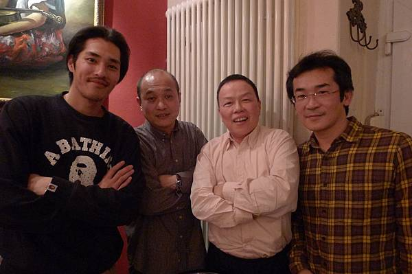 藍正龍(左起)和10+10導演鄭文堂王小棣魏德聖合影