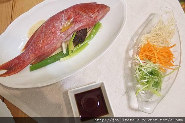 漁夫先生_清蒸紅條魚蒸煮