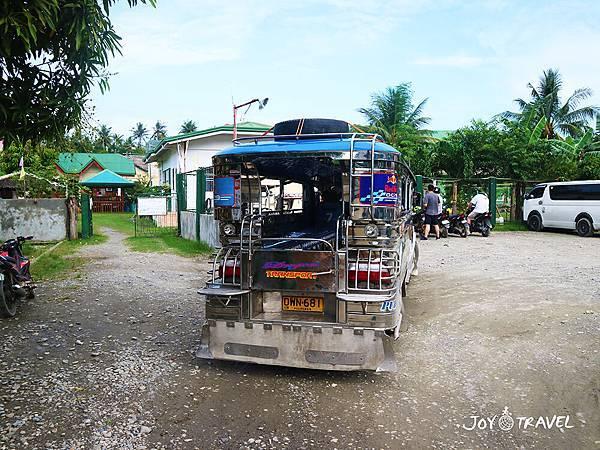 IMG_2084當地交通車Jeeplin.JPG