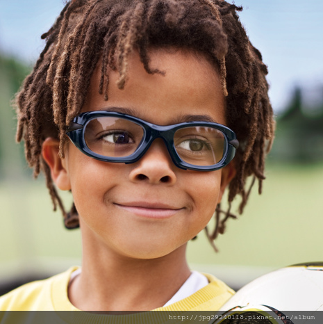 eyeguard-page_football-child.jpg