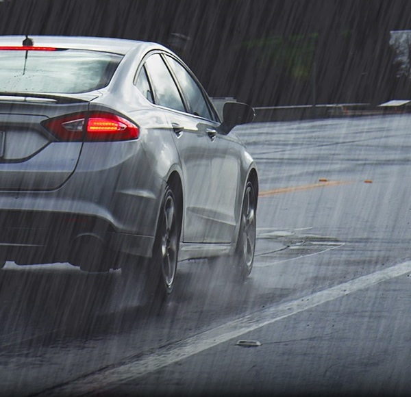 雨神來臨 普利司通ECOPIA H/L001 輪胎不「濕」控