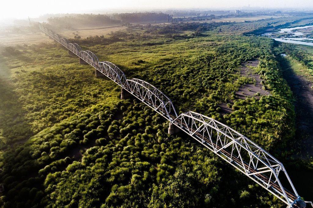 舊鐵橋(下淡水溪橋)美照