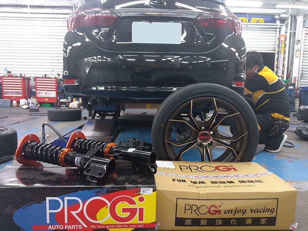 ALTIS車主特地從枋寮到廠升級藍晶外掛電腦增加動力,底盤採用PROGI避震器、PROGI強化三角架、17吋KILIN鋁圈、日東輪胎,