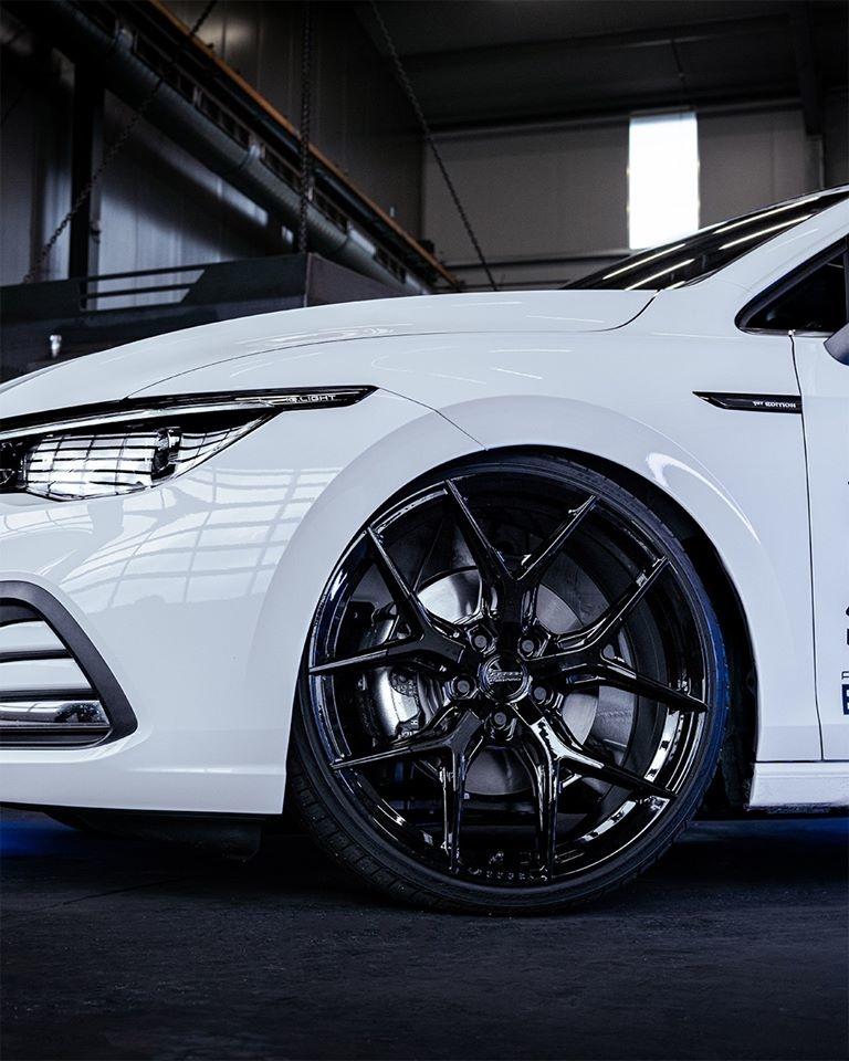Vossen Wheels 20吋鋁圈HF-5 on NEW VW Golf 8