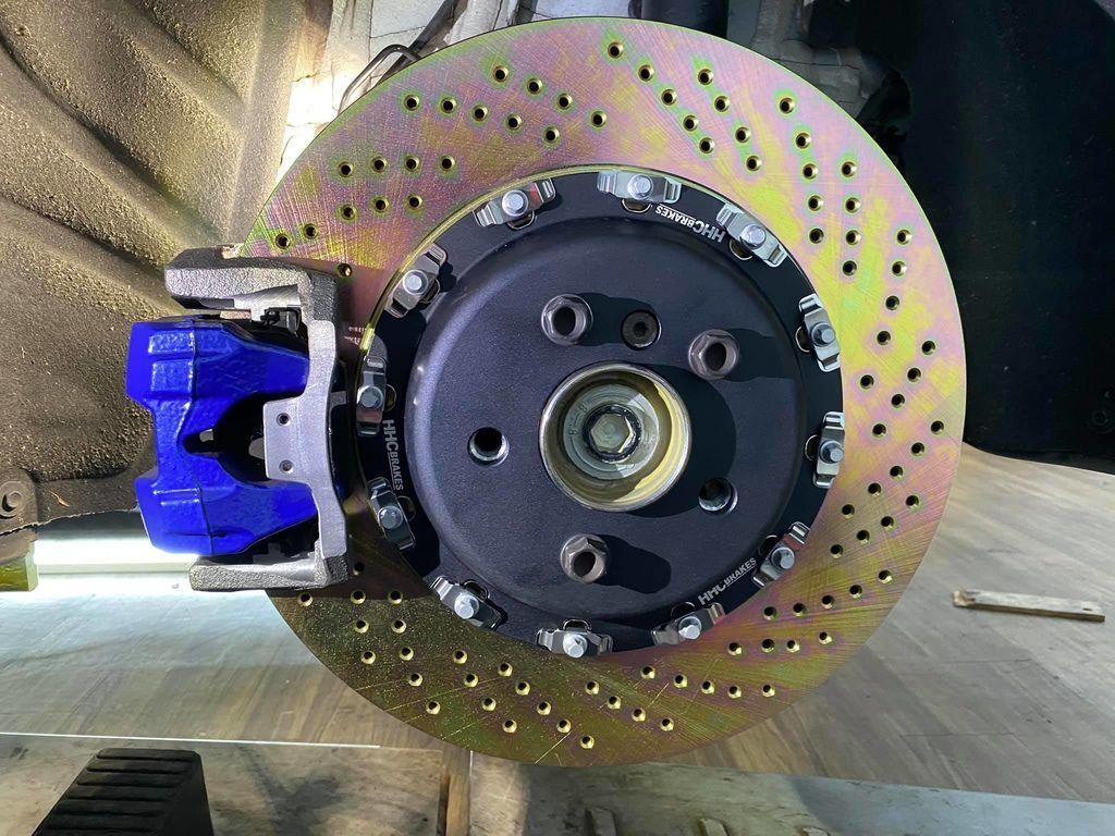 BMW G20 21 29 370 396mm 二片浮動式後加大碟套件00.jpg