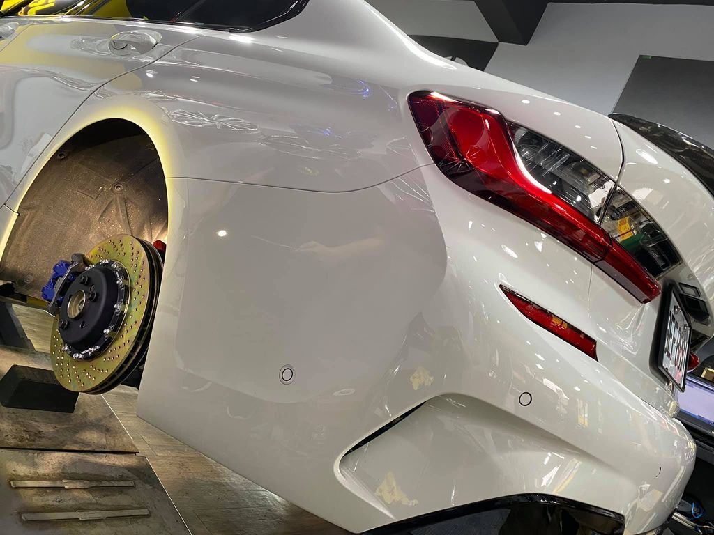 BMW G20 21 29 370 396mm 二片浮動式後加大碟套件02.jpg