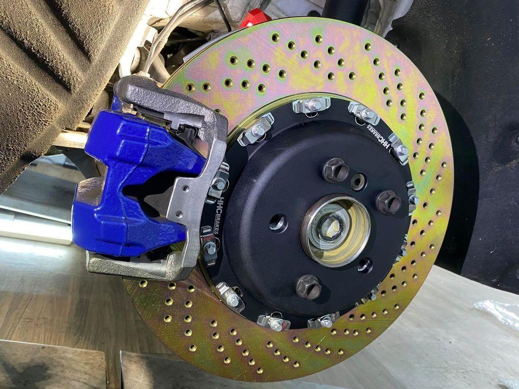 BMW G20 21 29 370 396mm 二片浮動式後加大碟套件01.jpg