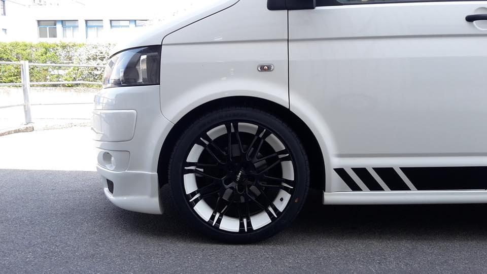 VW Bully mit unseren Ox14 Oxrock鋁圈