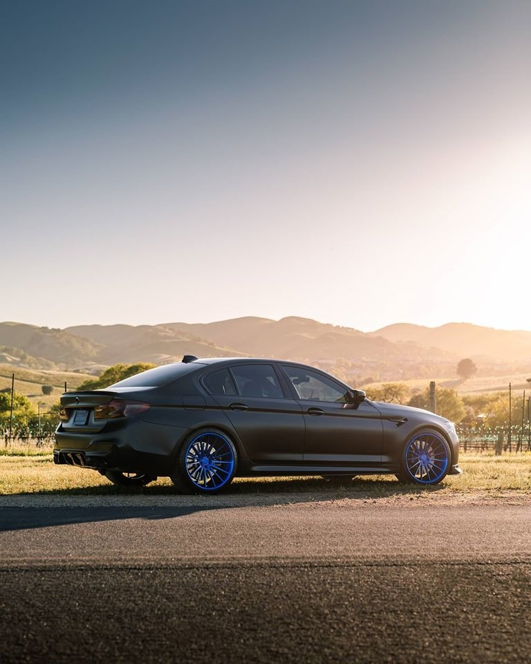 BMW M5 Klassen iD M35R003.jpg