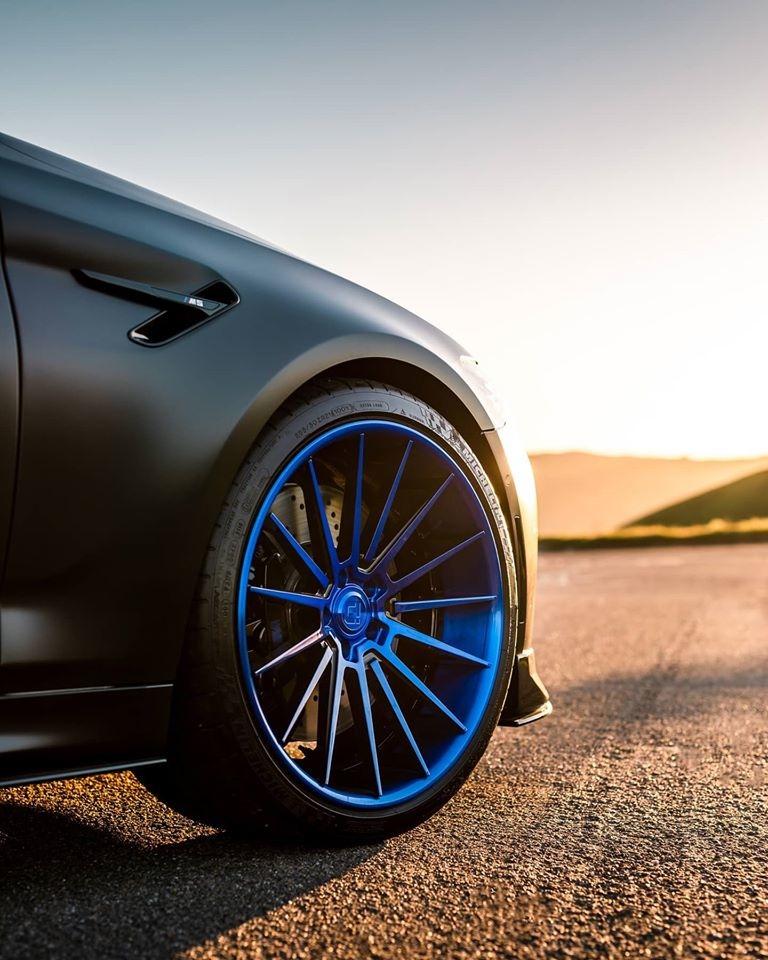 BMW M5 Klassen iD M35R002.jpg