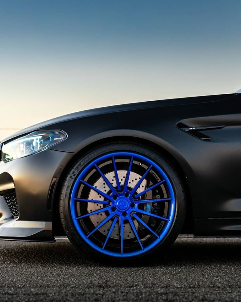 BMW M5 Klassen iD M35R004.jpg