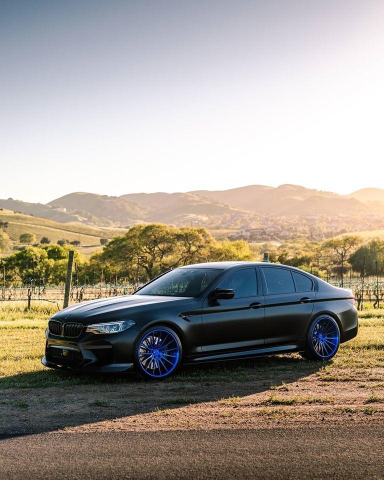 BMW M5 Klassen iD M35R00.jpg