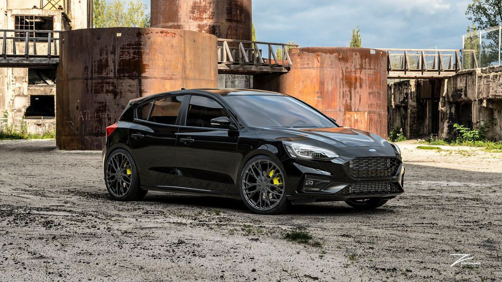 FORD FOCUS ST  FlowForged ZP7.1 in Gloss Metal