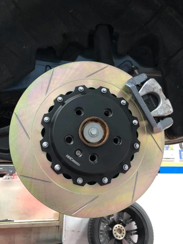 HHC BRAKES 在 VOLVO車系   加入新生力軍,  XC40 350mm/370mm   兩片式後加大碟套件