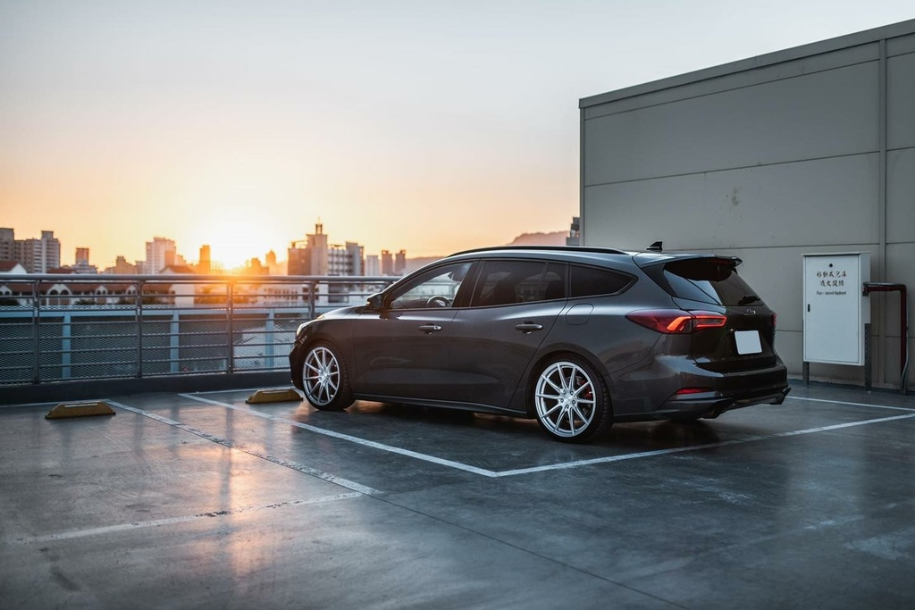 Focus 5代 ST wagon 選  Klassenid®🇺🇸F53r鋁圈  搭米其林性能胎