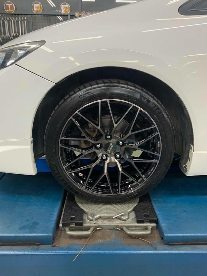 九代喜美 升級 AL792 17吋旋壓鋁圈  搭配米其林 PS4 215/45/17輪胎