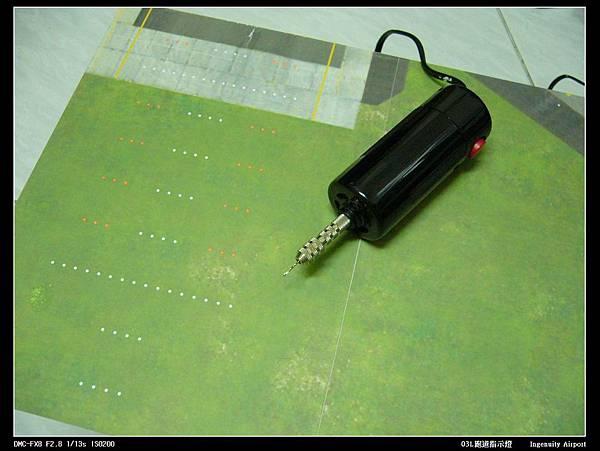 03L跑道指示燈-02.JPG
