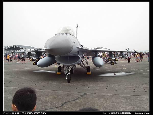 20111015岡山空軍基地-F16與幻象2000V09.JPG