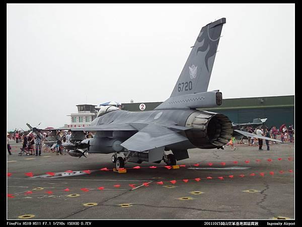 20111015岡山空軍基地-F16與幻象2000V15.JPG