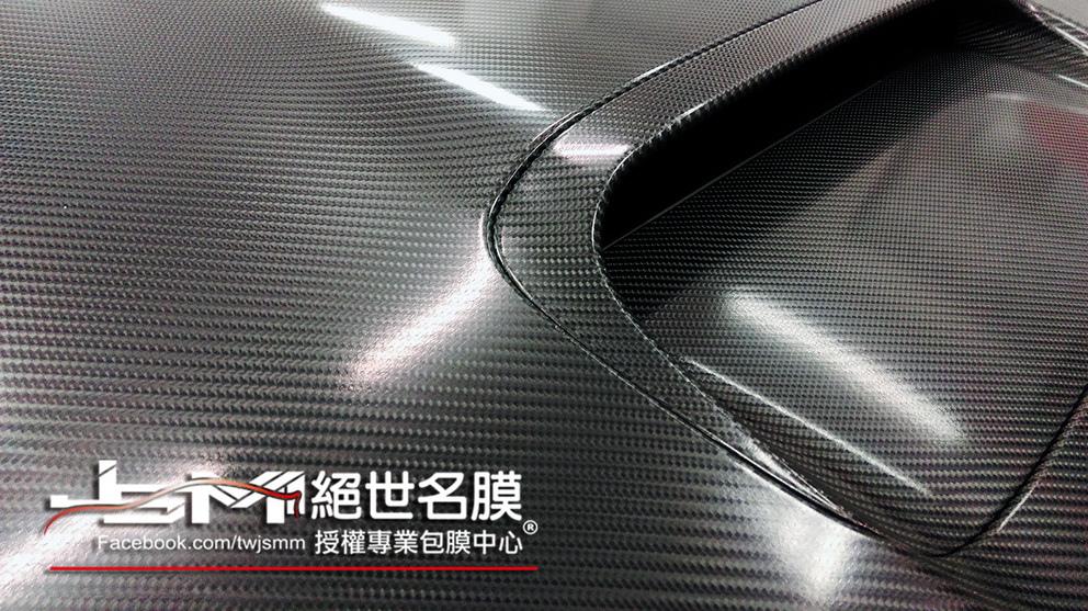 SUBARU WRX 引擎蓋 大格4D卡夢3.JPG