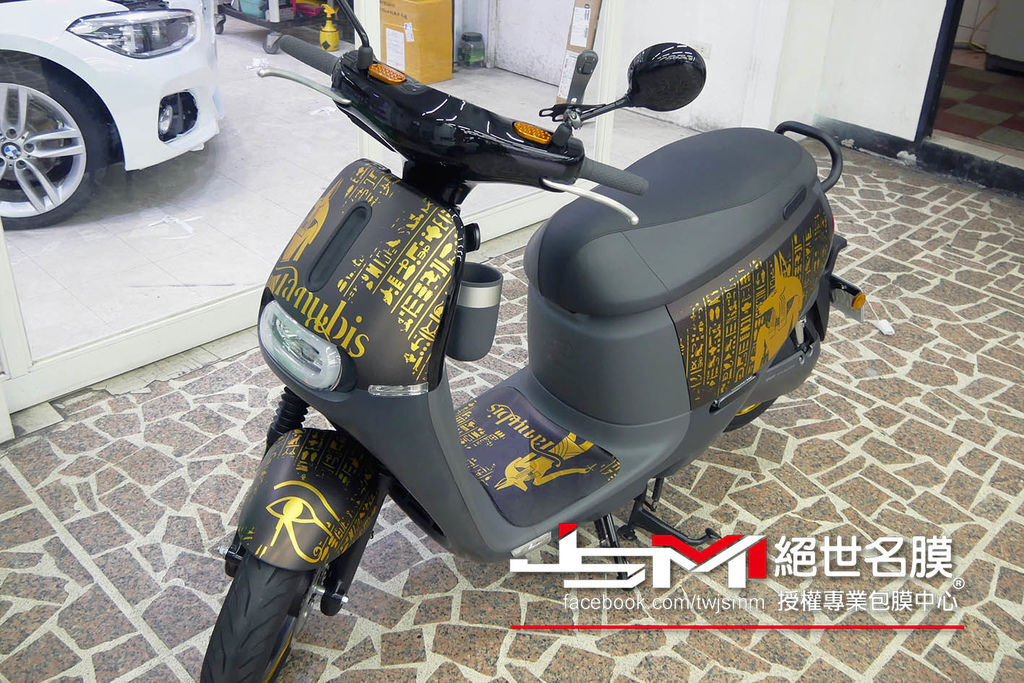 1060906-gogoro 電鍍金 埃及 (10).JPG