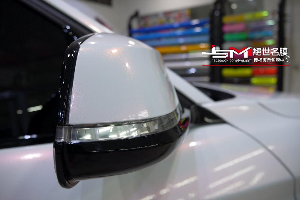 1061003-BMW 120i變色珍珠白+車頂亮黑-P1050160.JPG