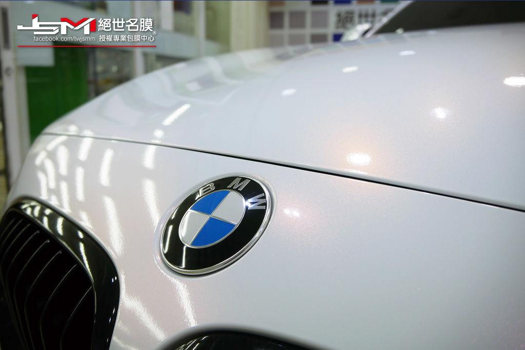 1061003-BMW 120i變色珍珠白+車頂亮黑-P1050152.JPG
