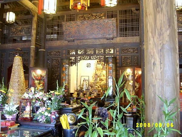 28正殿神龕