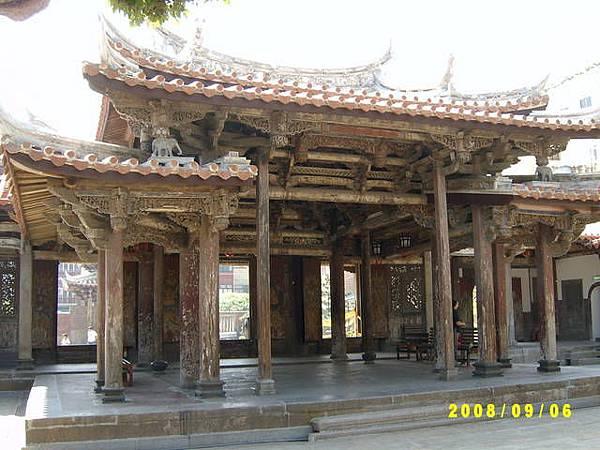 36整個龍山寺都像這樣