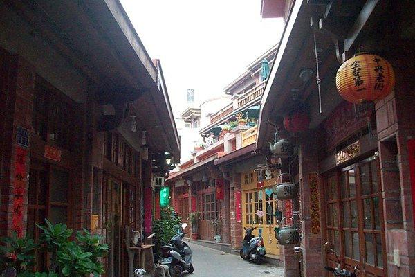 0522 sunny 中央老街