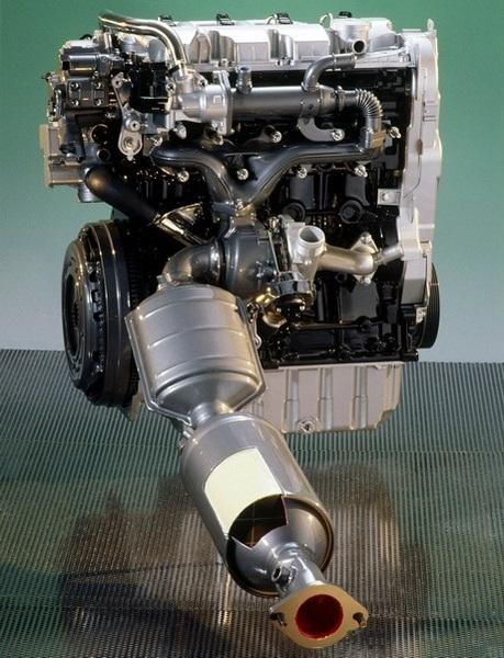 2008-11_D(Mondeo TDCi引擎圖).JPG