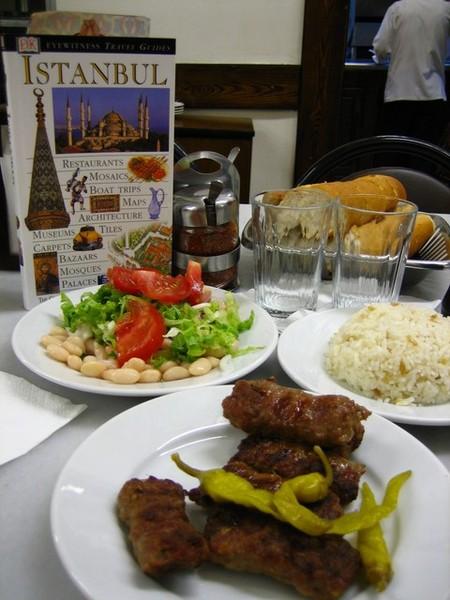 抵達伊斯坦堡的第一餐!