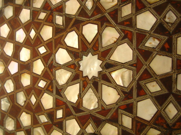 皇宮門板上的珠母貝裝飾