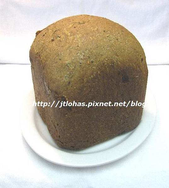 Whole Wheat Bread with Cranberry, Black and White Sesame Seeds-1
