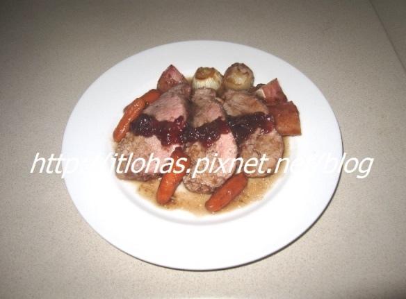 聖誕節美食 - 蜜汁小紅莓烤豬里肌、水蒸韭蔥咖哩蛋糕-1.JPG