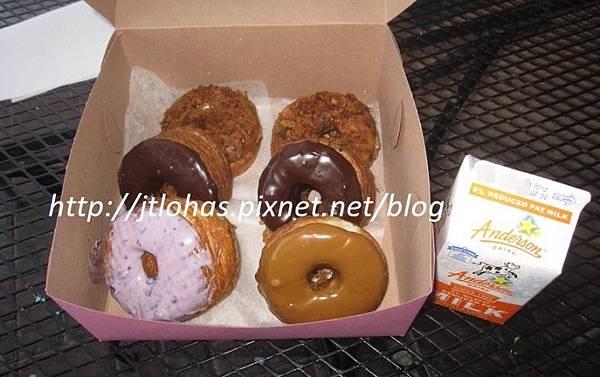 National Doughnut Day-14.JPG