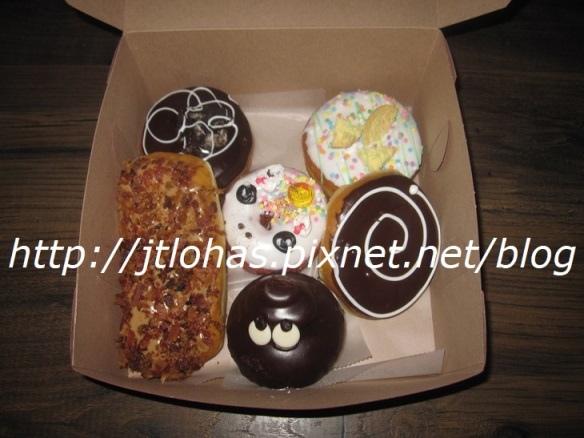 National Doughnut Day-19.JPG