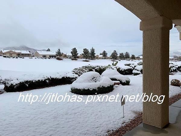 Let It Snow!-2.jpg