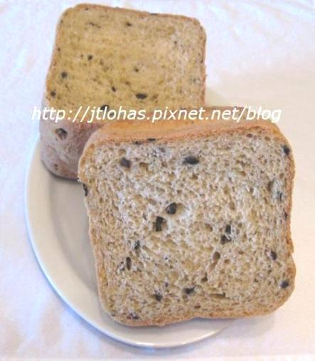 Black Olive and Herbs Bread-1.jpg