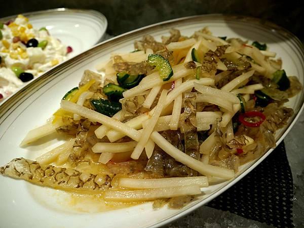 健康蔬魚皮沙拉-2014.3.1.JPG