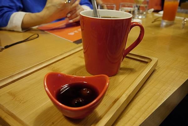 桂圓紅茶-咖啡癮-2014.6.7.JPG