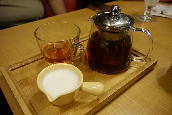 錫蘭奶茶-咖啡癮-2014.6.7.JPG