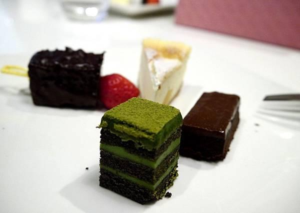RICH CAKE-2015.1.3 (16).JPG