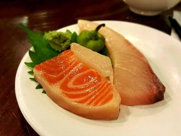 綜合生魚片 (3).jpg