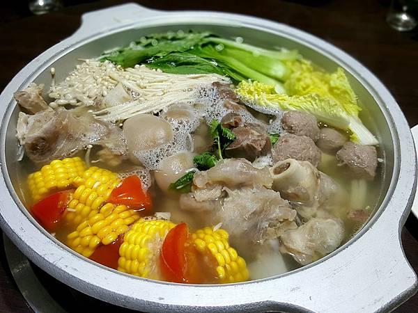 干貝蔬菜羊肉鍋.jpg