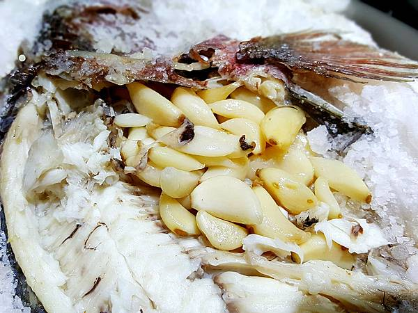 鹽烤台灣鯛 (2).jpg